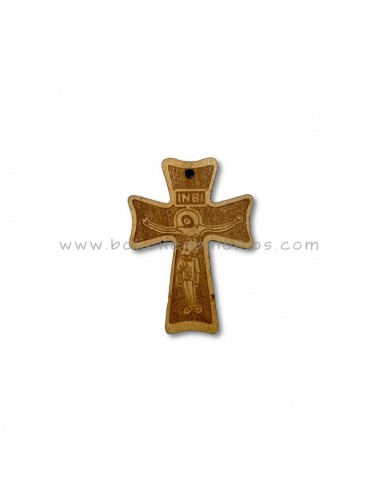 Cruz de madera labrada con cristo